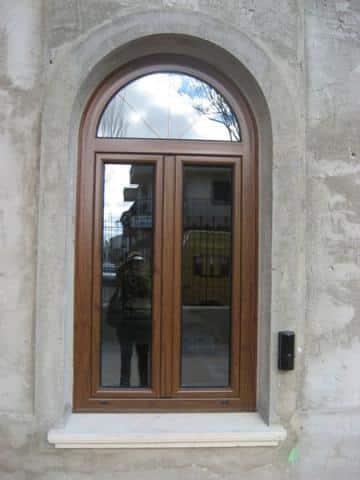 ventana madera medio arco